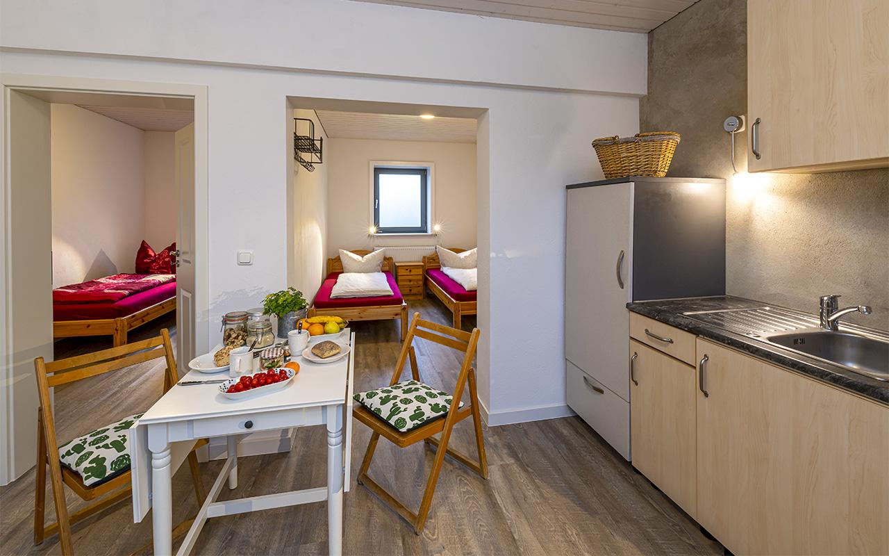 Küche mit Blick in die Schlafzimmer